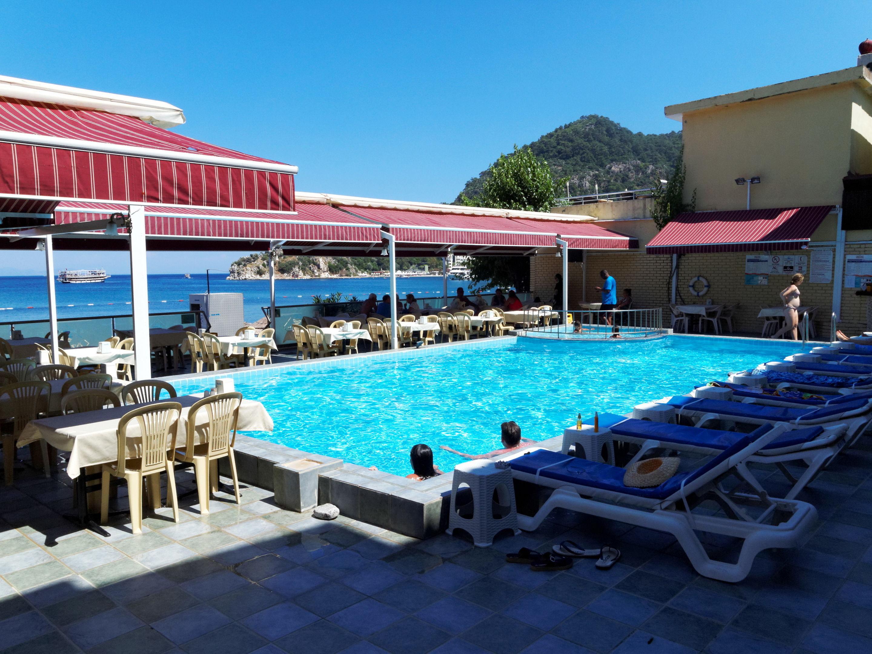 Özcan Beach Hotel