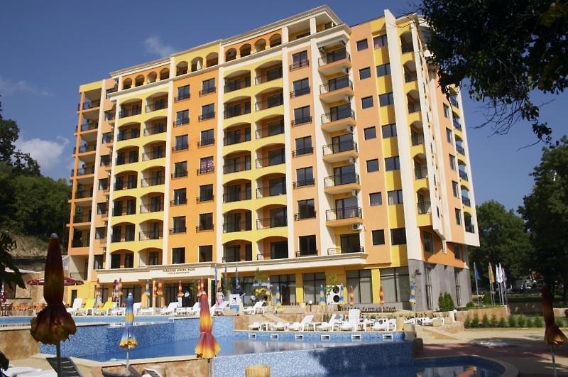 Paradise Green Park Hotel & Apartments