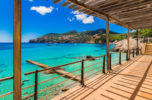 Bargains to the Balearics