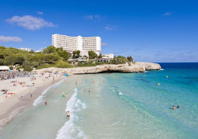 Deluxe 4* Beachfront All Inclusive Week to Majorca