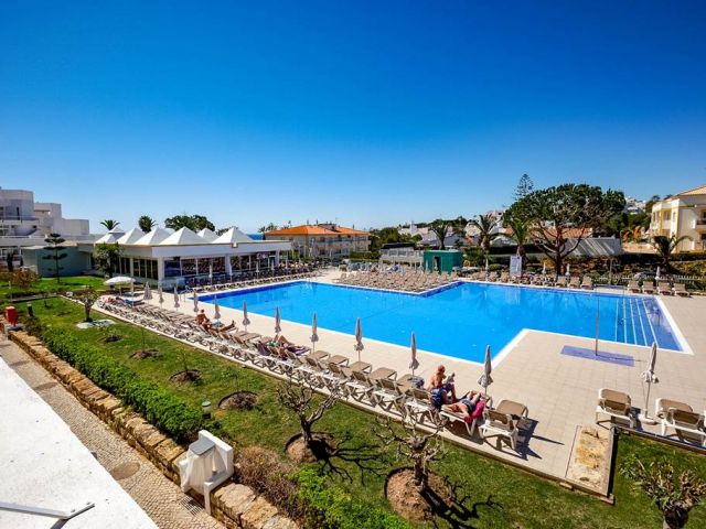 4* Algarve Beach Retreat with Great Hotel Location