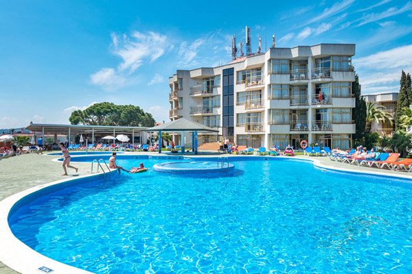 3* Costa Brava Family Holiday with FREE Child Place