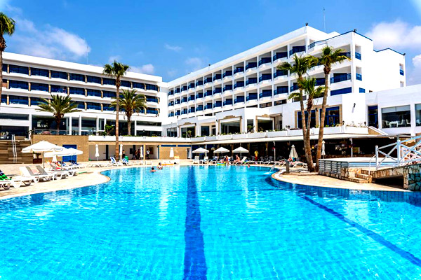 4* Cyprus All Inclusive By the Beach w/ Great Pool Area