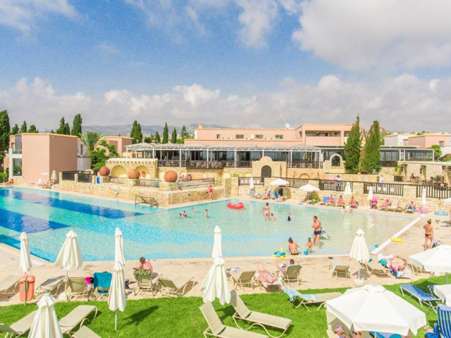 4* Cyprus All Inclusive Escape Saving 35% & Return Flights