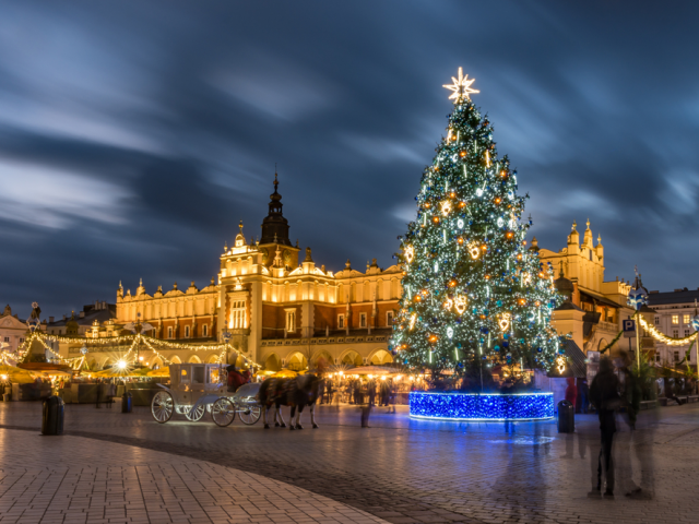 4* Krakow Break w/ FREE Tour, Breakfast & Sauna