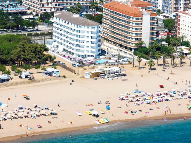 4* Costa Brava Beachfront Award Winning All Inclusive Escape