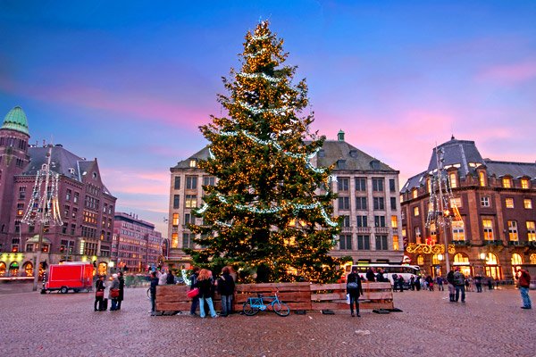 4* Amsterdam Xmas Market w/ Great Transport Links