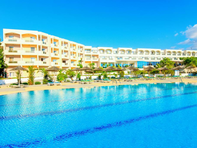 Kos: 4 Star Beachfront All Inclusive w/ Low Deposits
